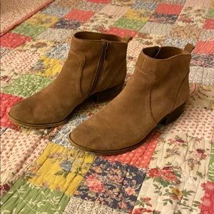 Lucky Brand tan suede boots booties size 8.5